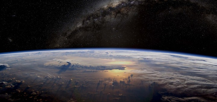 earth-view-space-hd-wallpapers-for-desktop-720x340